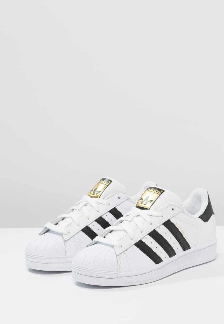 hot sale online b0d71 da8be Trainers adidas Originals Superstar Mujer Blanco Núcleo Negro,adidas negras  y blancas,adidas. Precio regular  115,11 €